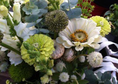 Henrys-Gardens-Floral-Arrangement